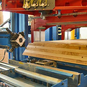 Wir verstehen uns als Partner für andere Zimmereibetriebe - SCHWARZWALD CLT massive Holzbauelemente